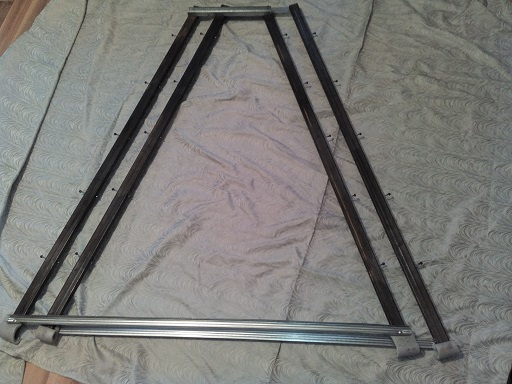 самодельная пирамида для клубники - заготовка стоек
