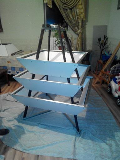 Как сделать пирамиду для земляники 683