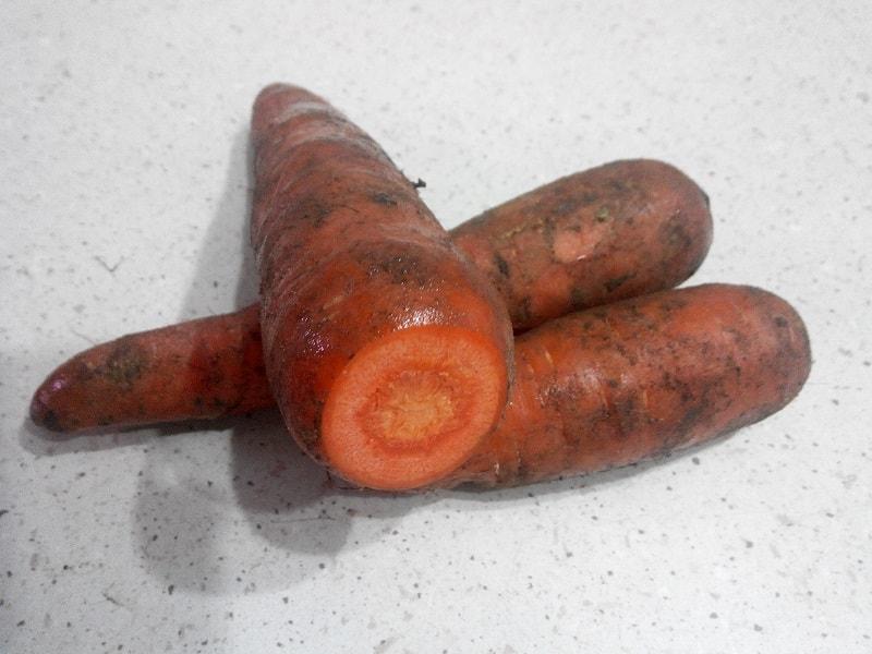 как обрезать морковь для хранения на зиму